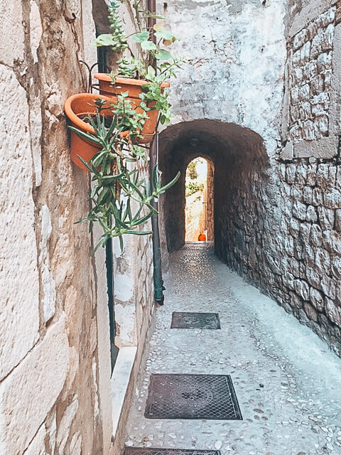 The narrow streets of Dubrovnik