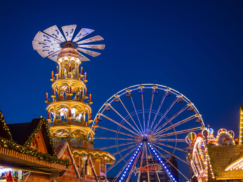 The best Christmas markets in Berlin - Roten Rathaus Ferris wheel