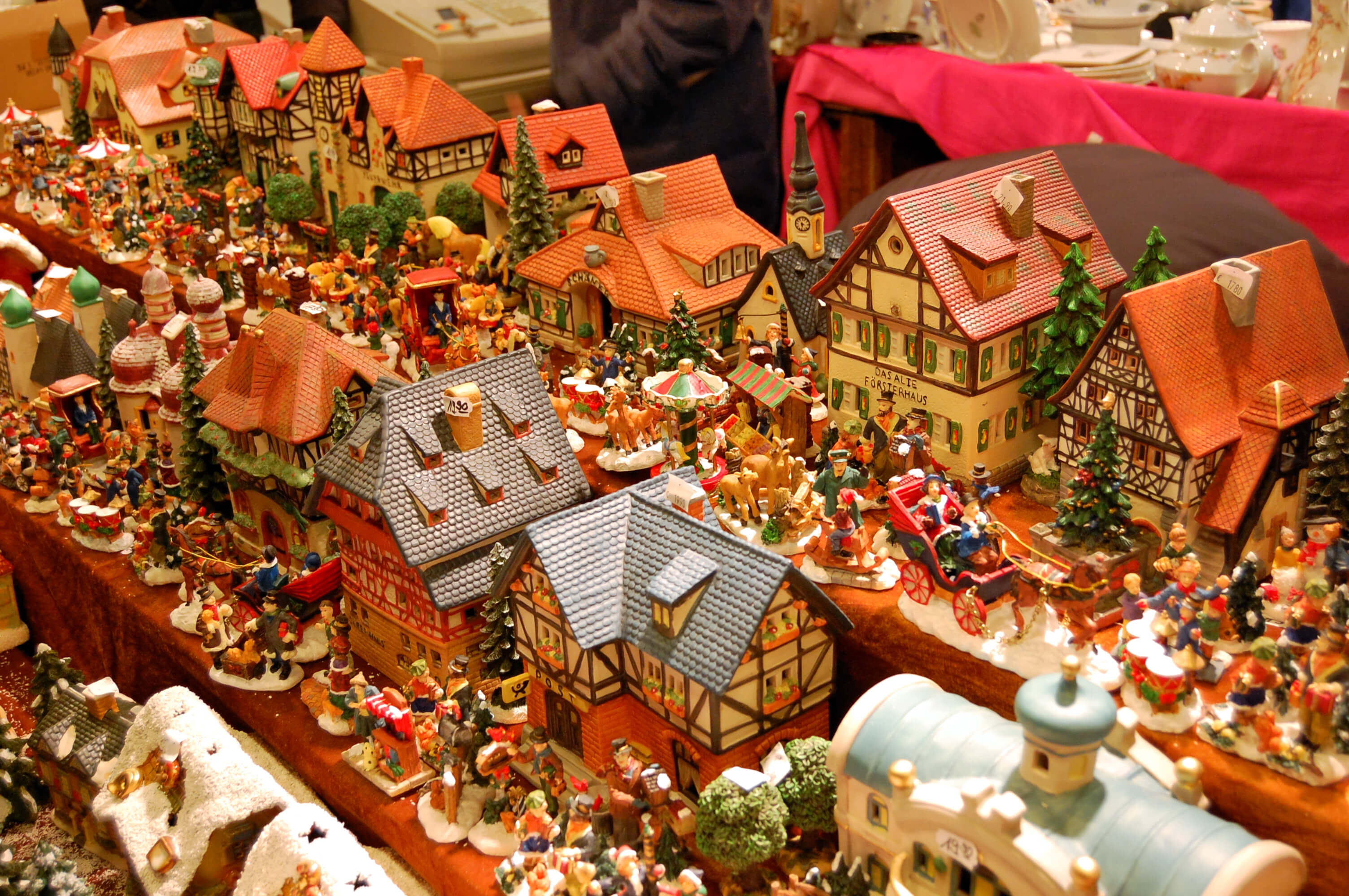 The best Christmas markets in Berlin - souvenirs on display