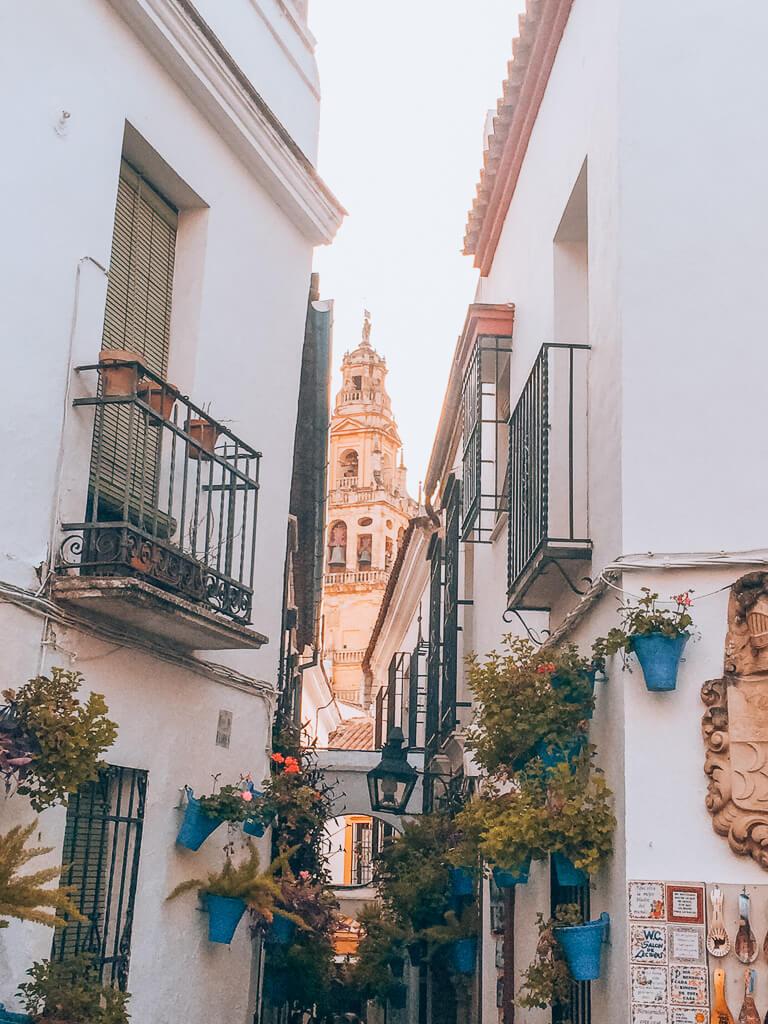 Cordoba narrow street