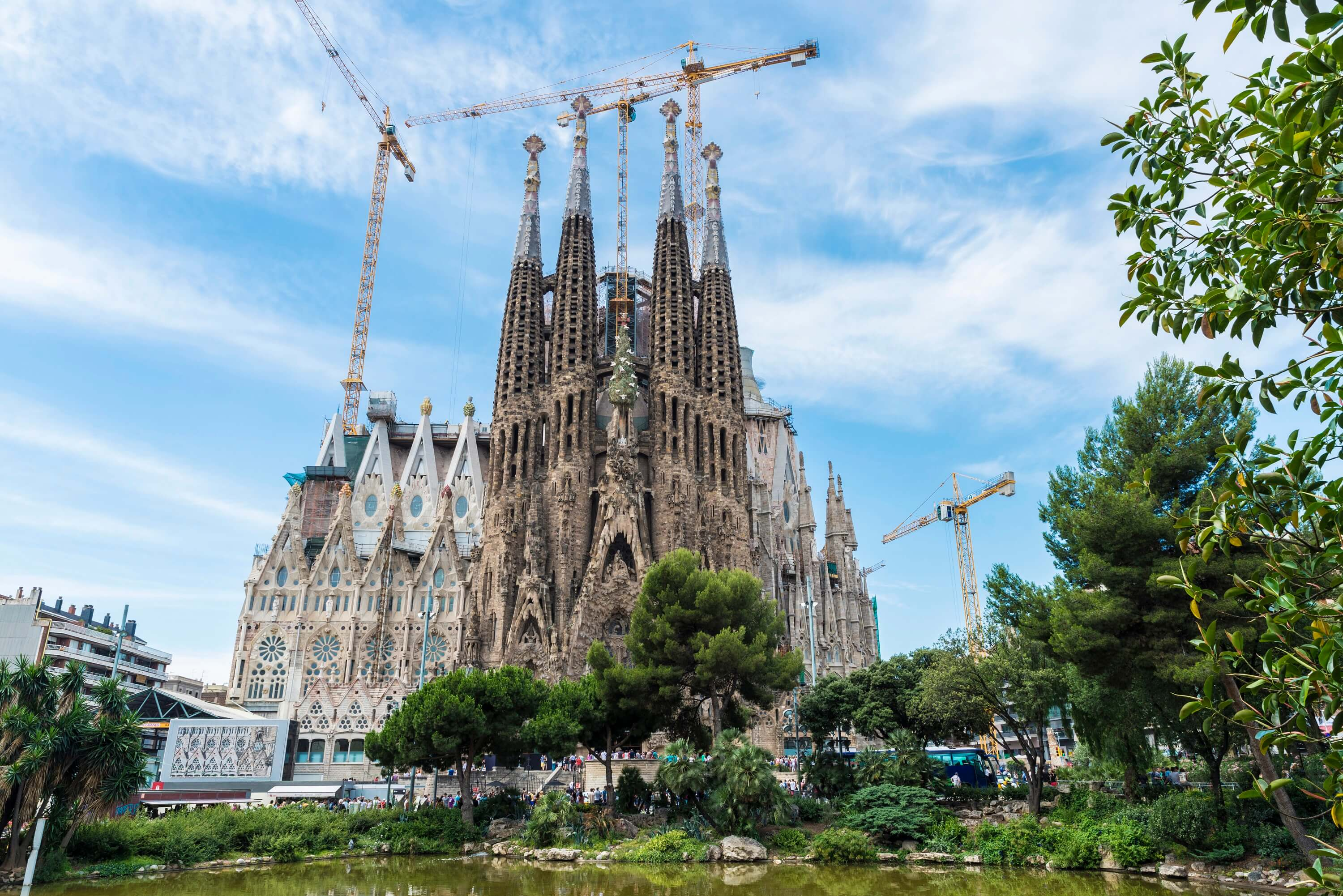 Barcelona Spain Travel - La Sagrada Familia Walking Tour