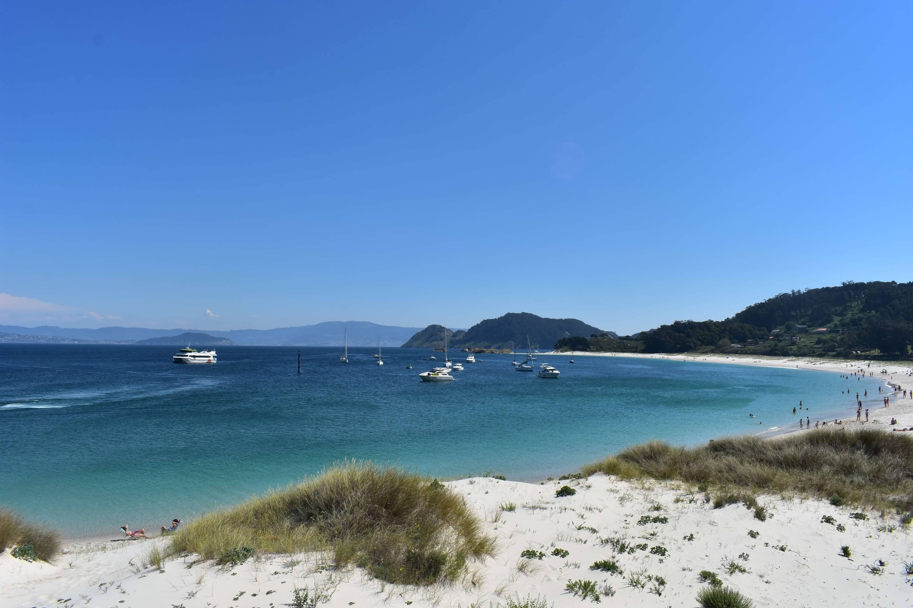 20 photos that will inspire you to visit the Cies Islands - Panorama of Rodas Beach on the Cies Islands
