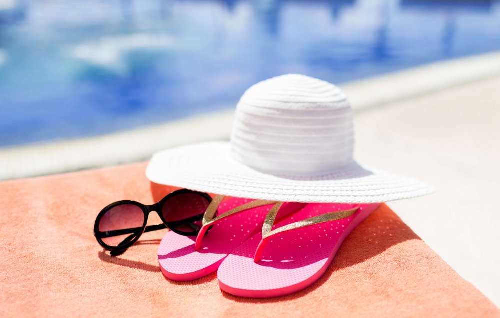 Ultimate packing list for your summer vacation in Spain - Accessories