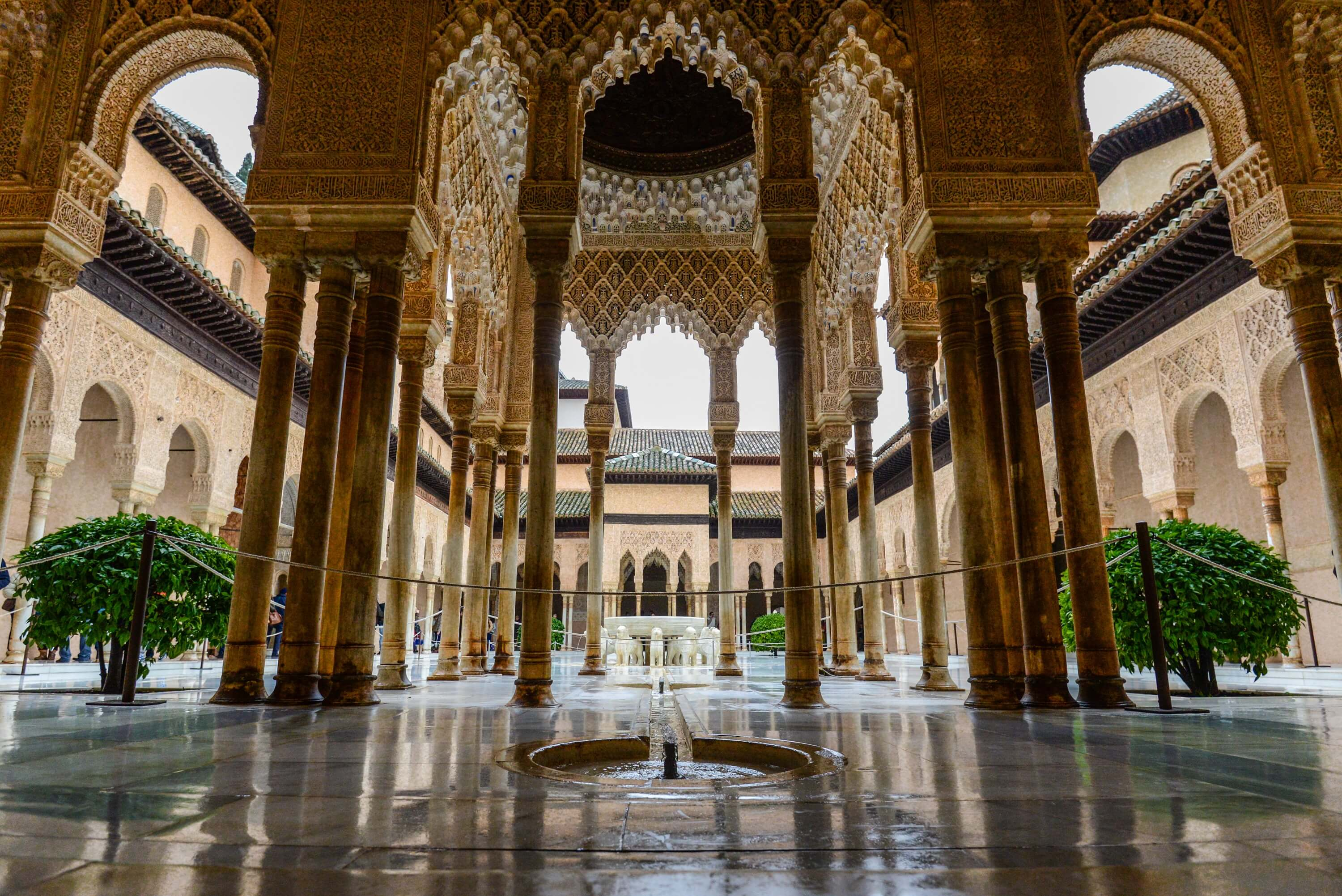 La Alhambra de Granada - 9 Must Have Experiences in Spain