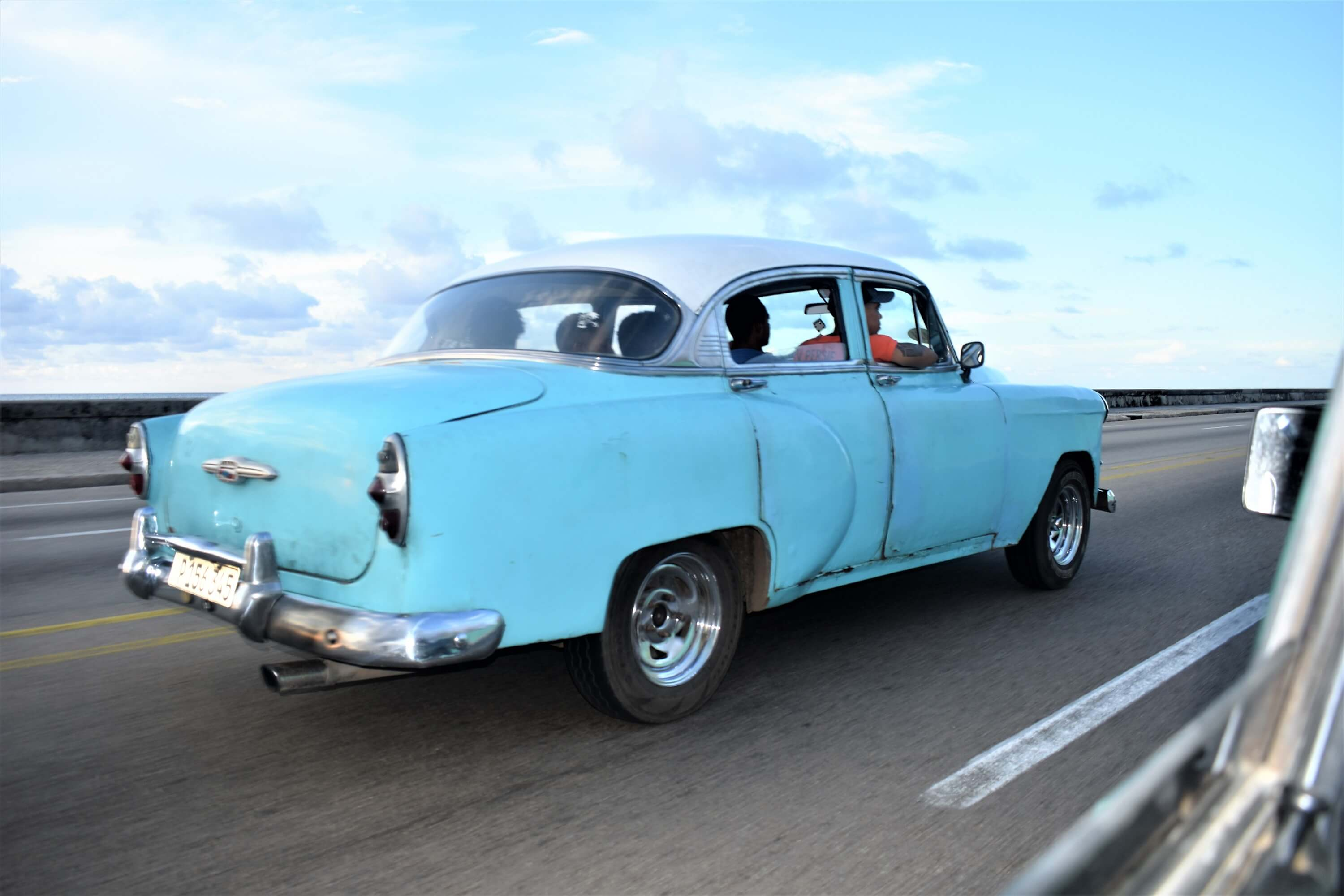 How to spend 48 hours in Havana - Classic car on El Malecon