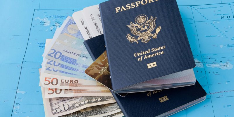15 Easy Tips To Save Money While Traveling Abroad