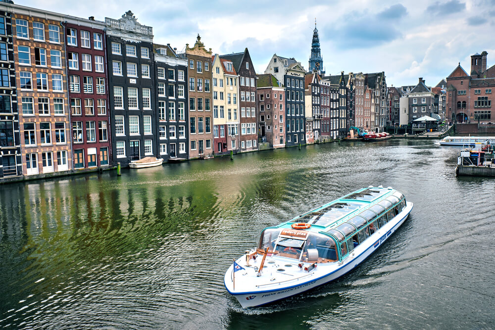 Weekend in Amsterdam guide - Canal cruise