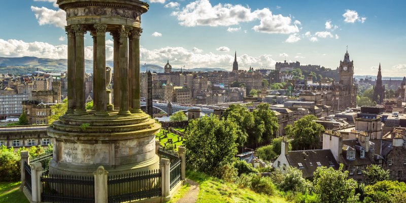 7 day Edinburgh itinerary for female solo travelers - Calton Hill