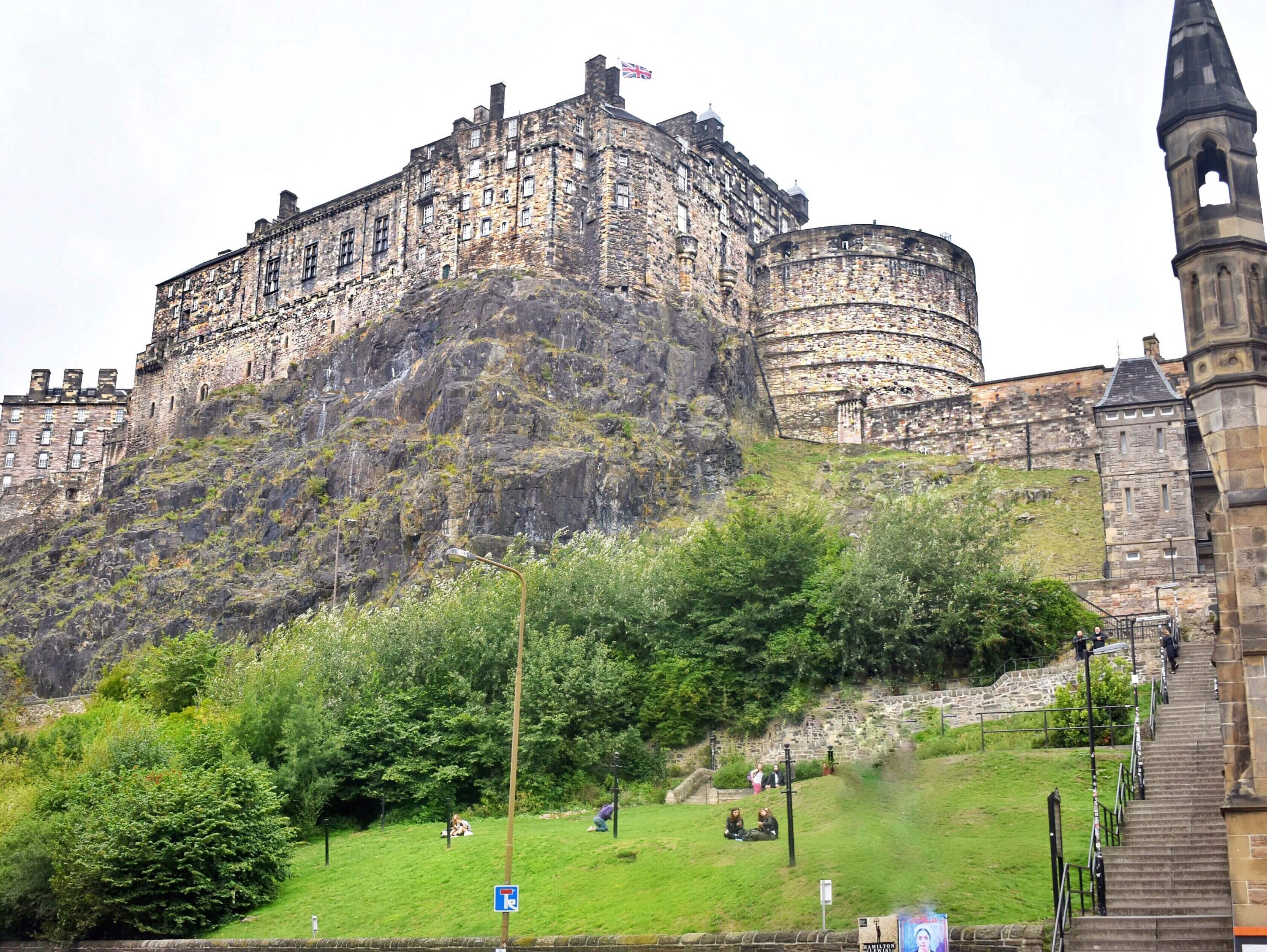 7 day Edinburgh itinerary for female solo travelers - Edinburgh Castle