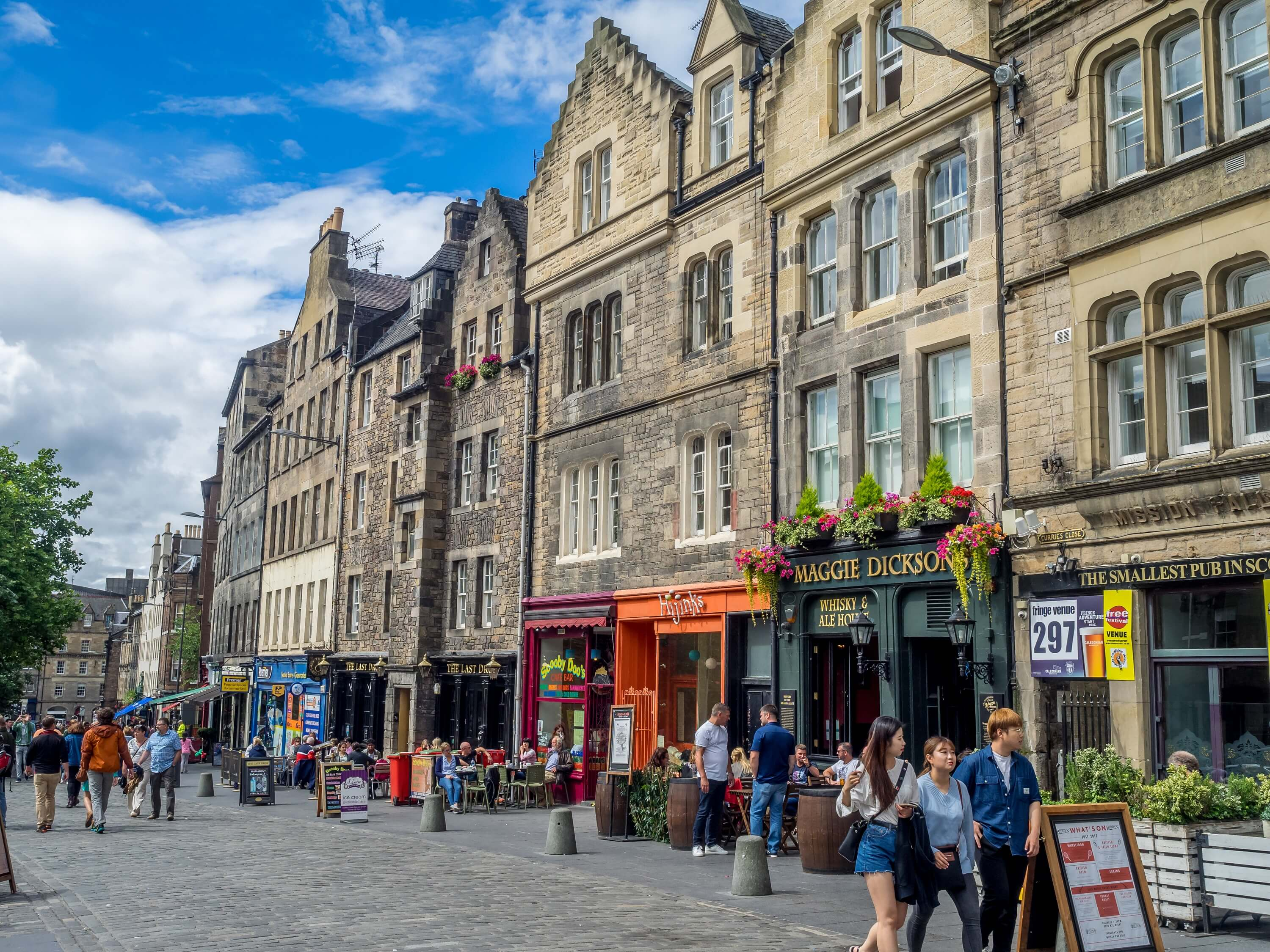 7 day Edinburgh itinerary for female solo travelers - Grassmarket