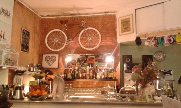 Free things to do in Barcelona - Bicioci Biker Cafe