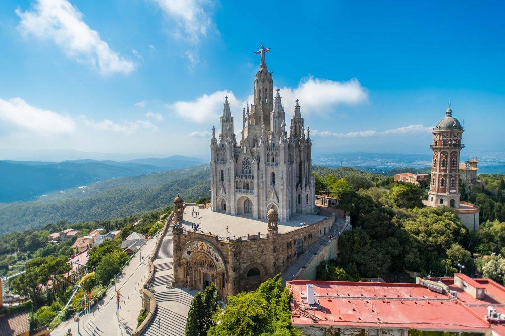 Free things to do in Barcelona - Sagrado Corazón de Jesús Temple