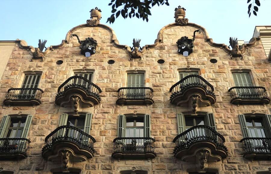 Gaudi walking tour of Barcelona - Casa Calvet