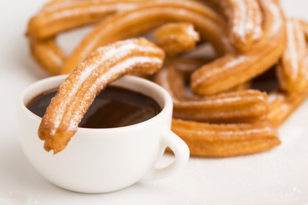 Tips for your fist visit to Barcelona - churros con chocolate