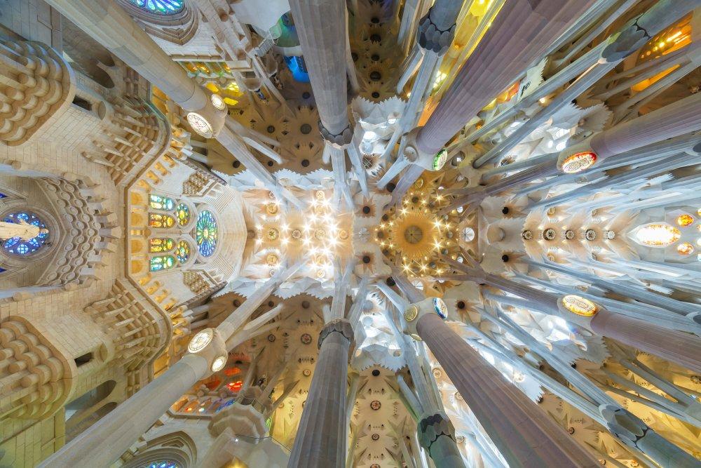 3 Day Barcelona Itinerary - La Sagrada Familia Interior