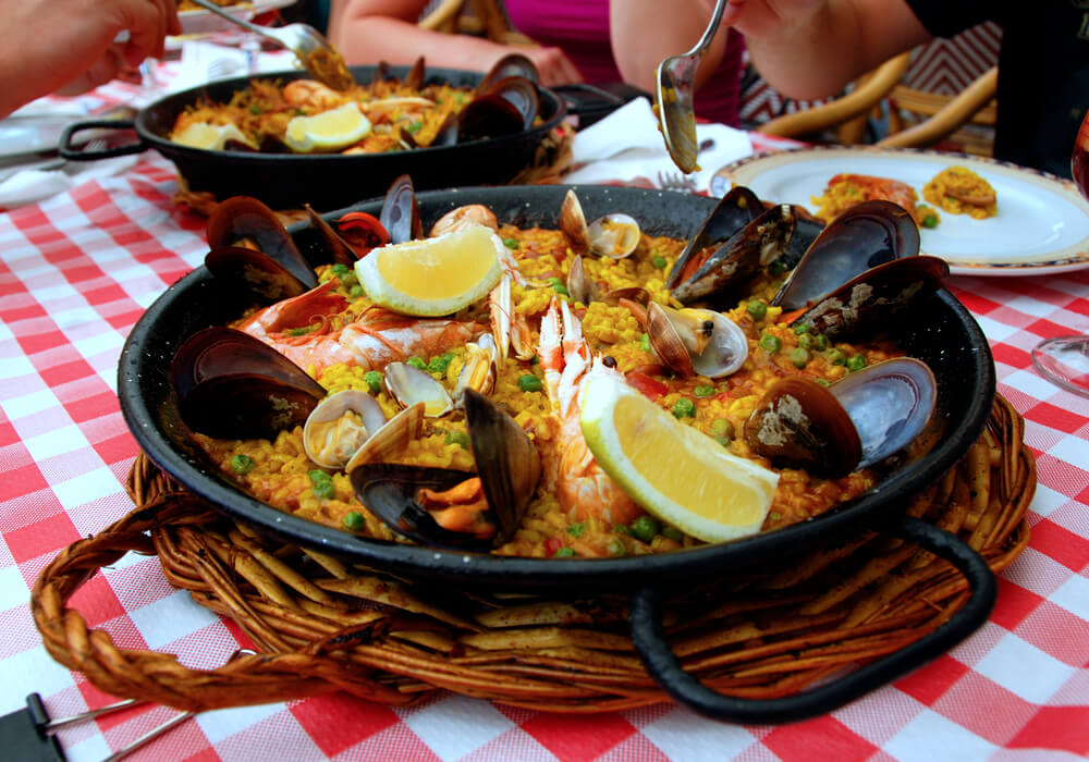 Fun things to do in Barcelona - Spanish food