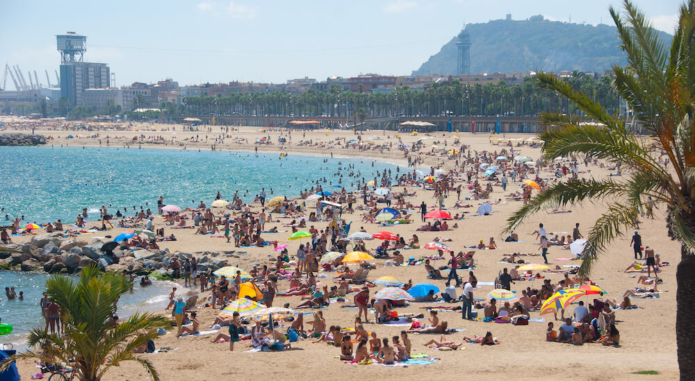 Fun things to do in Barcelona - Beach on a hot day